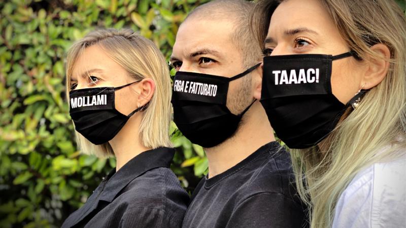 Uè Giargiana, con le mascherine del Milanese Imbruttito aiuti la Caritas